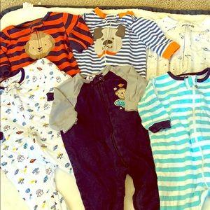 Lot of 6 baby boy sleepers 0-3m Carter's